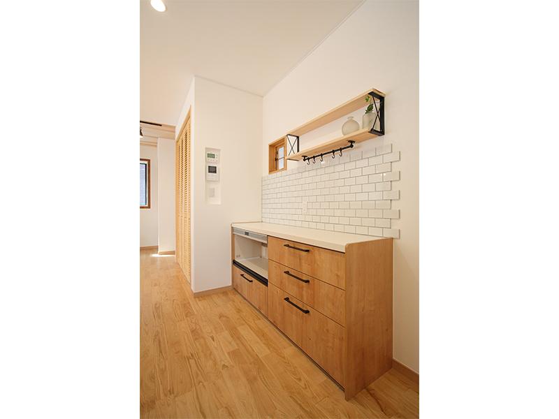 vivienda_K_kitchencounter.png